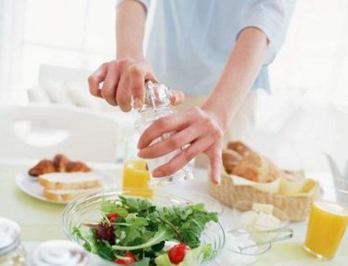 Comer menos no ayuda a adelgazar